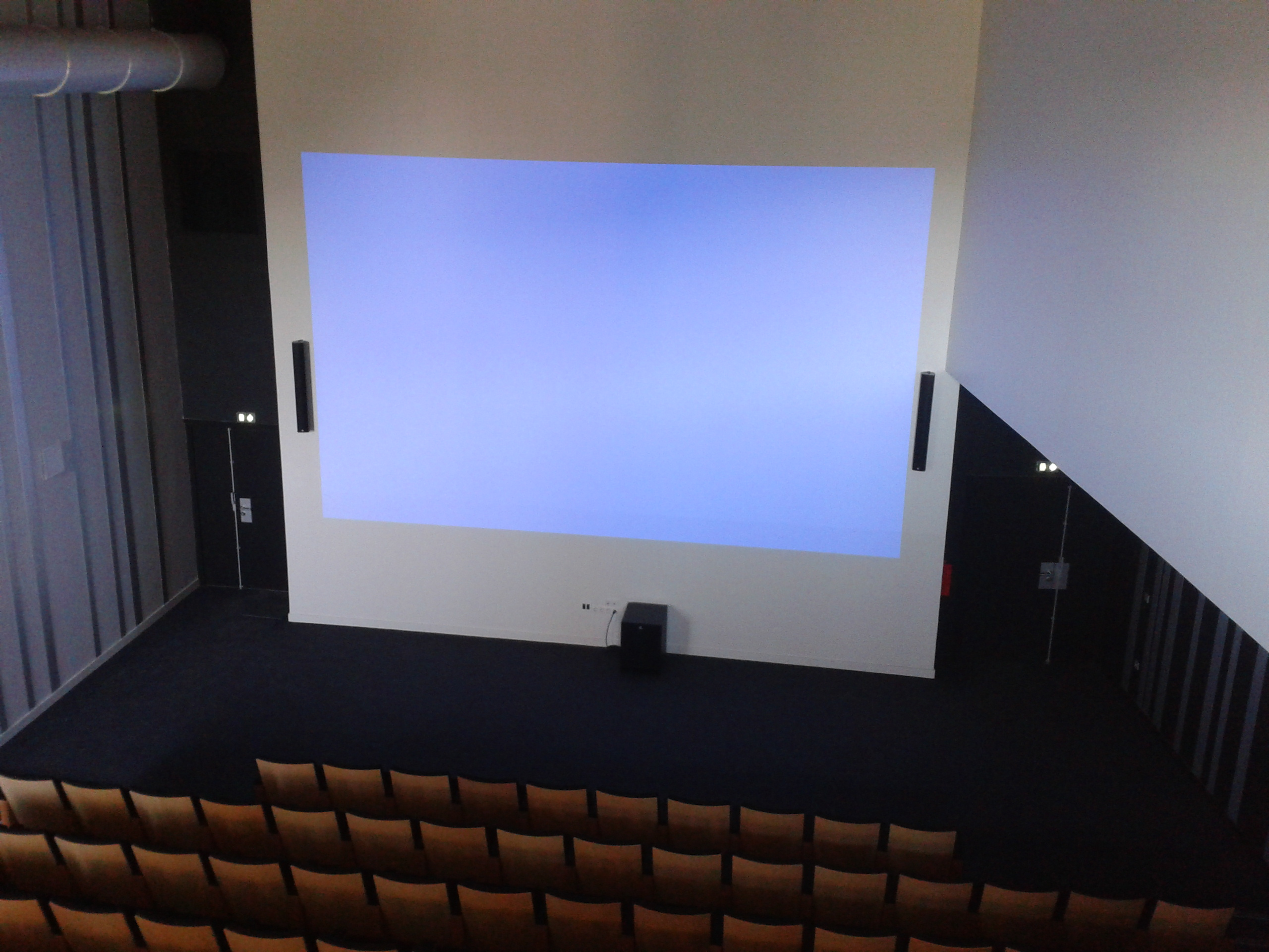 videoprojection_amphitheatre_arkeos.jpg